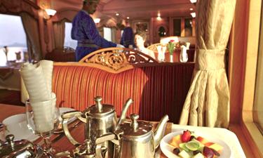 Deccan Odyssey Zugreise Frühstück