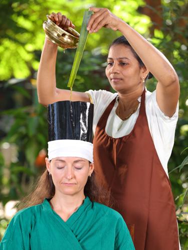Ayurveda Behandlungen im AyurSoma Resort