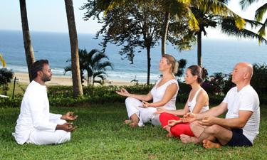Tägliche Yoga und Mediationsstunden